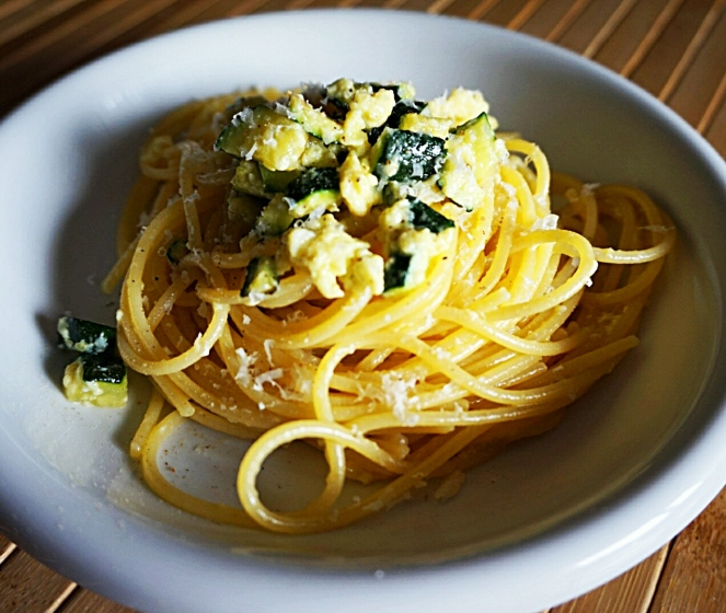 Saporiti e light: ecco i nostri spaghetti senza glutine con carbonara di zucchine.