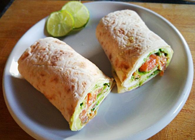 wrap_glutenfree_con_salmone_e_formaggio_fresco-jpg